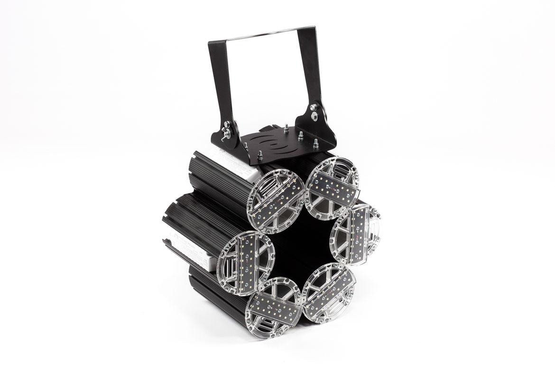 Светодиодный прожектор освещения спортивных аренX-RAY Lira 300Вт Л